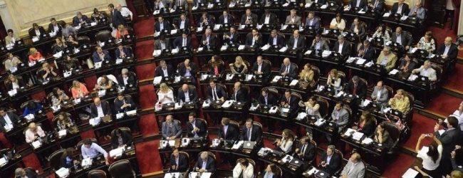 Pese a las protestas, Cambiemos y el PJ dialoguista convirtieron en ley la reforma jubilatoria