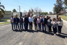 Más localidades del Dpto. avanzan con obras de pavimento urbano